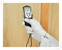 温湿度計、照度計等を用いた保存環境調査